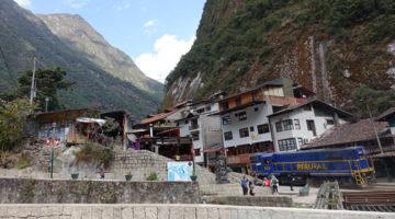 Mit Zug und Bus Richtung Machu Picchu