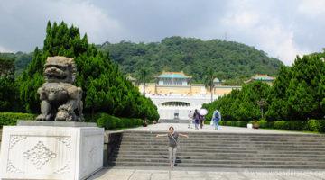 Bergdorf Jiufen und das National Palace Museum von Taipei