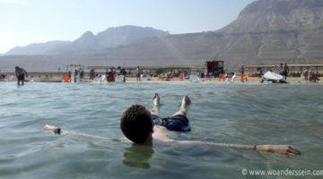 Salziges Schwebegefühl im Toten Meer bei Ein Gedi
