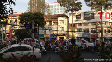 Wir und tausende Scooter in Saigon
