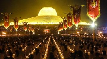 Makha Bucha Feiertag im Wat Dhammakaya Bangkok